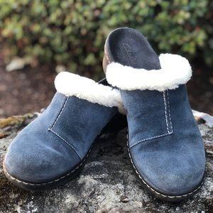 Clark's  bendables blue suede fur trim mules 7M